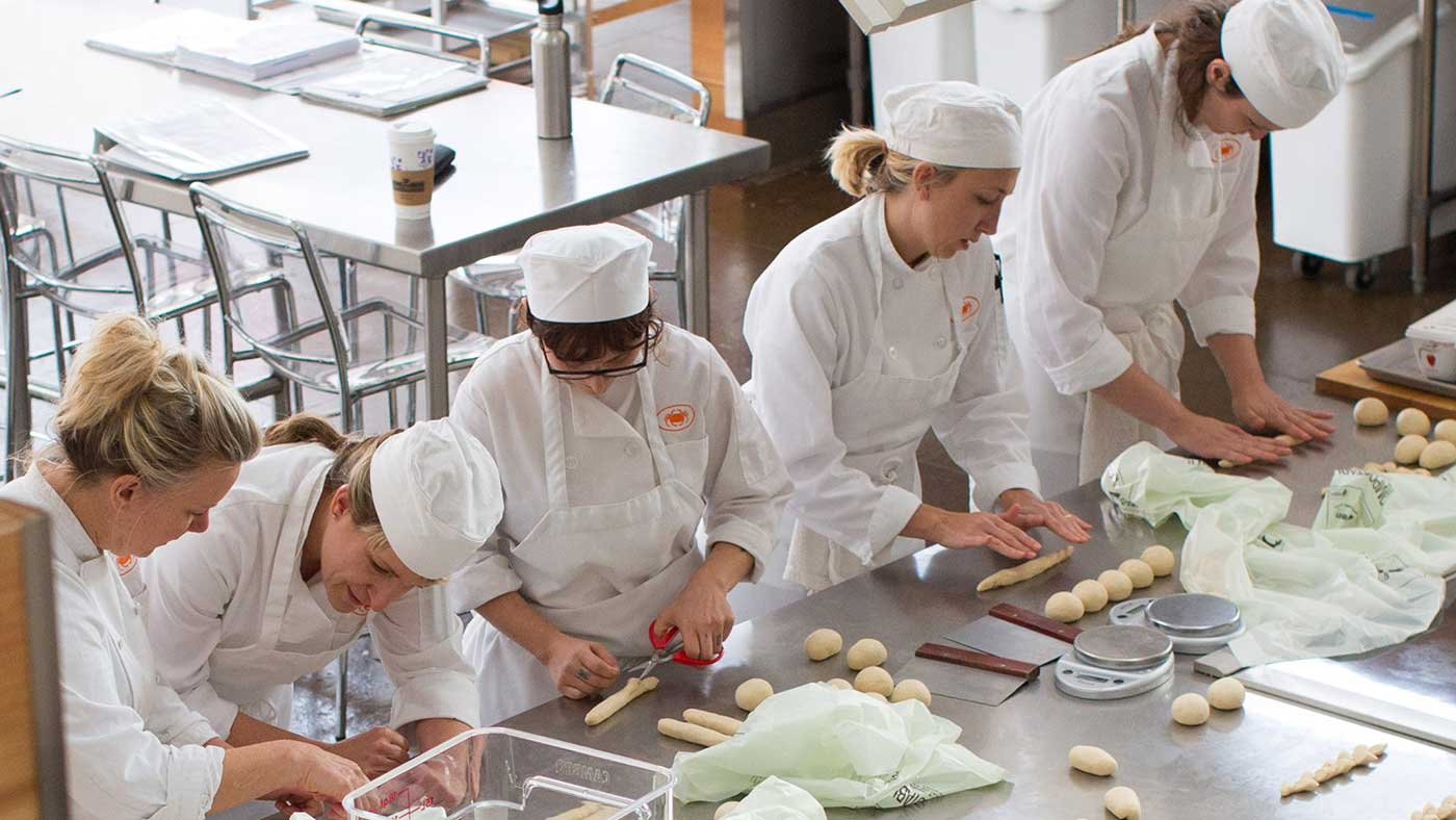 Asst Bakery & Pastry Chef in Qatar