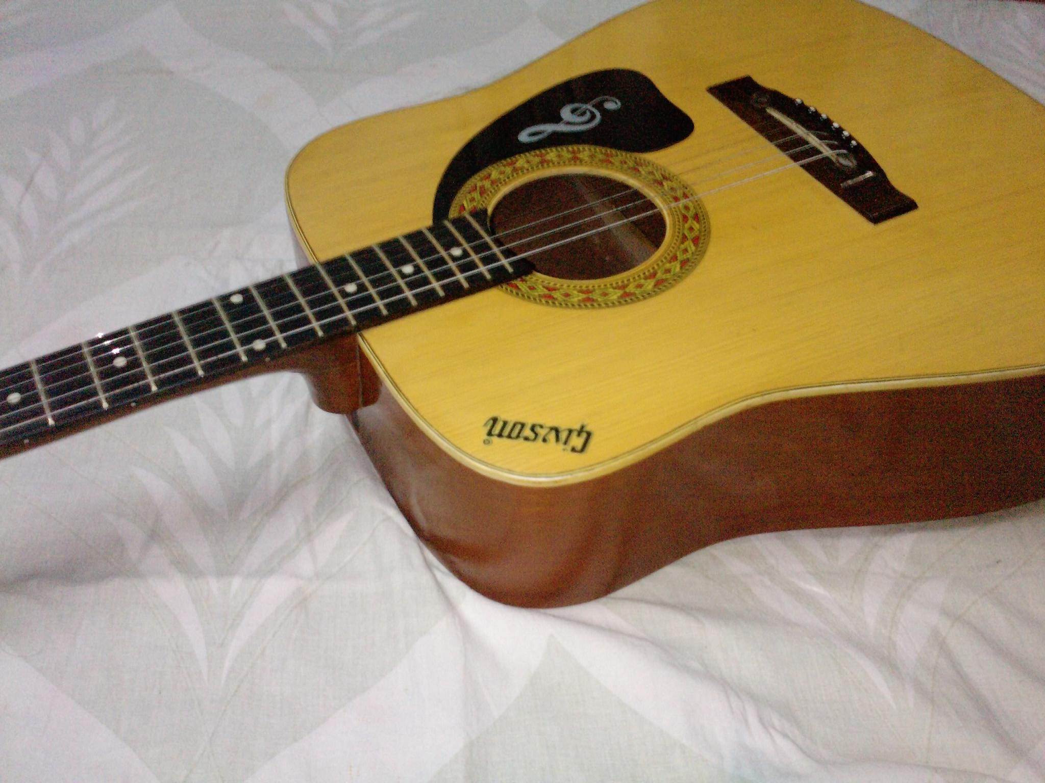 urgent indian givson guitar sell
